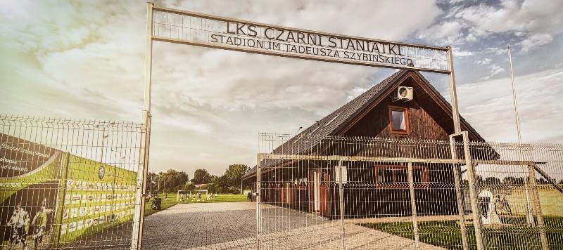 Stadion LKS Czarni Staniątki